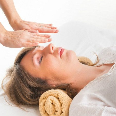 reiki-therapy-service